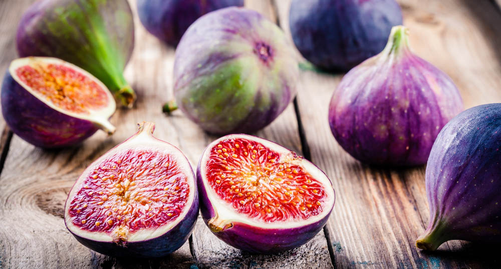 fresh figs and bagels